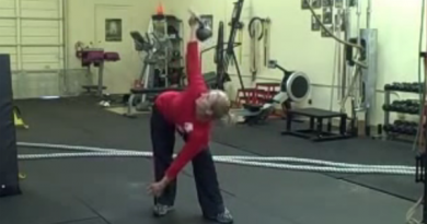 Woman doing kettlebell training for fat loss