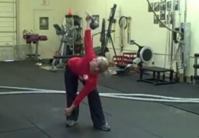 Woman doing kettlebell training for fat loss